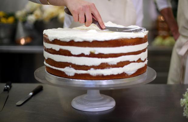 Лимонный шедевр: рецепт свадебного торта принца Гарри и Меган Маркл (фото 9)