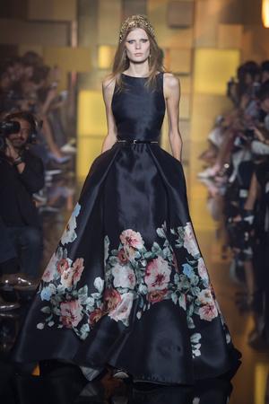 Показы мод Elie Saab Осень-зима 2015-2016 | Подиум на ELLE - Подиум - фото 4326