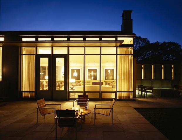 Летняя резиденция Барака Обамы выставлена на продажу (фото 4)