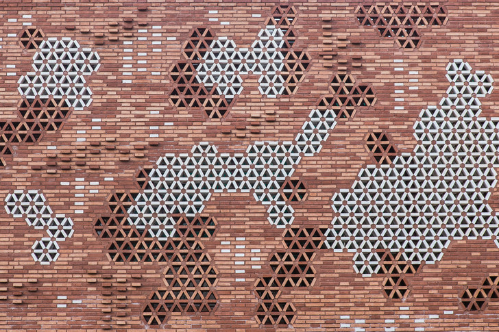 EMBT + Патрисия Уркиола: паллиативный центр в Барселоне (фото 4)