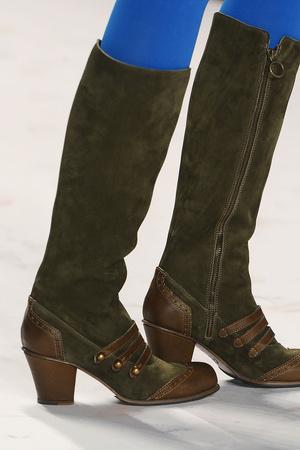 Показ Anna Sui коллекции сезона Осень-зима 2012-2013 года Prêt-à-porter - www.elle.ru - Подиум - фото 350011