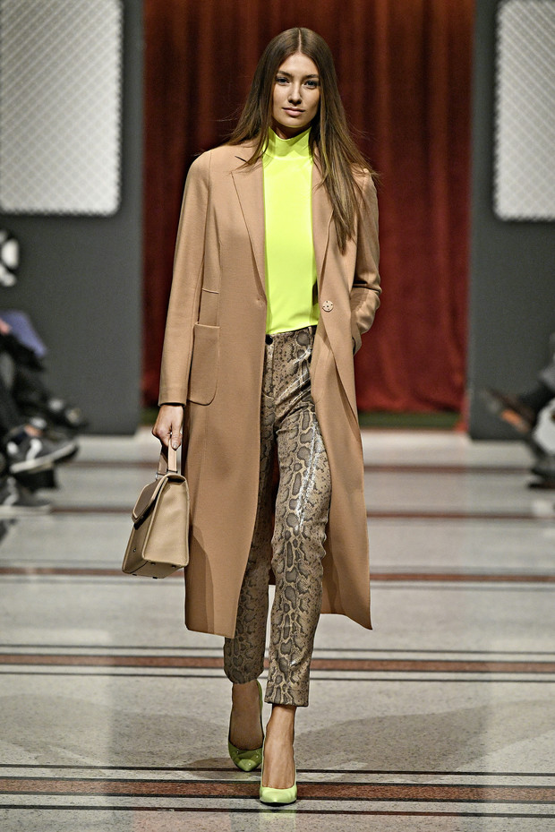 Эксклюзивные фотографии и короткий блиц модели Лорены Рэй для ELLE (фото 12)