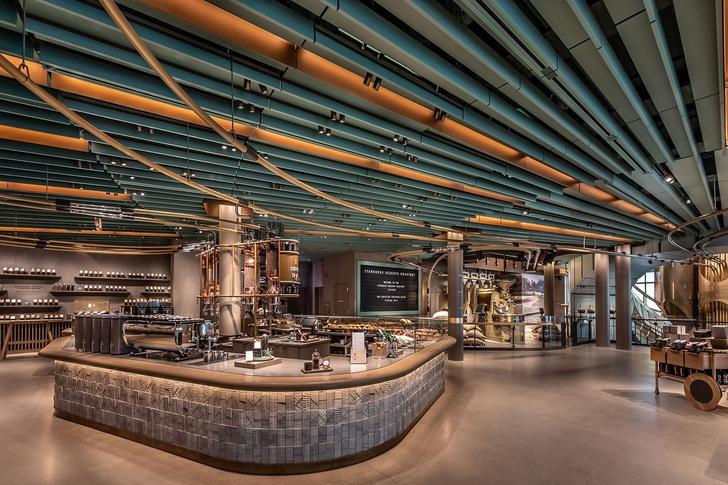 Самый большой Starbucks открылся в Чикаго (фото 2)
