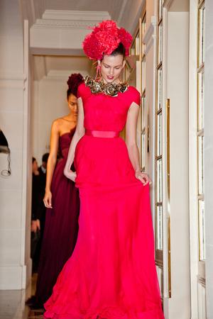 Показ Giambattista Valli коллекции сезона Весна-лето 2012 года Haute couture - www.elle.ru - Подиум - фото 330954