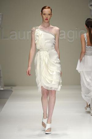 Показ Laura Biagiotti коллекции сезона Весна-лето 2011 года Prêt-à-porter - www.elle.ru - Подиум - фото 187025