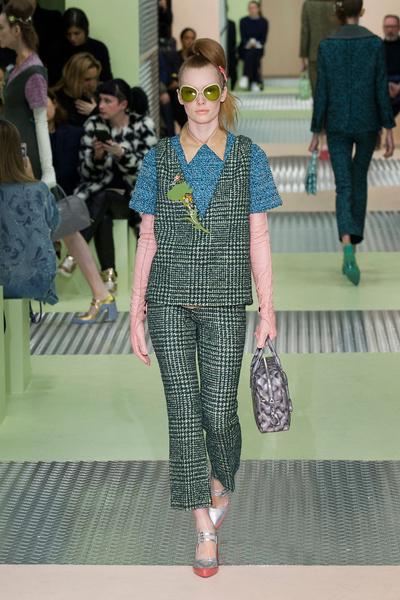 Показ Prada на Неделе моды в Милане | галерея [1] фото [29]