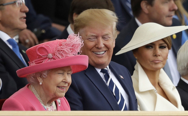 Капелюхи та кашемір: Меланія Трамп і Єлизавета II в Портсмуті (фото 0)