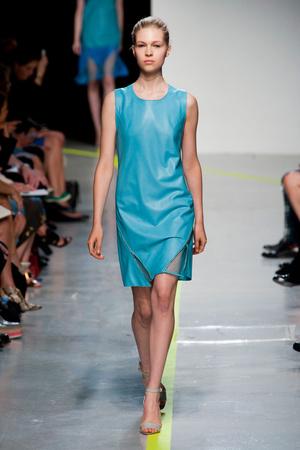 Показы мод Richard Nicoll Весна-лето 2013 | Подиум на ELLE - Подиум - фото 1156