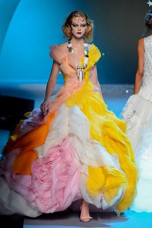 Показы мод Christian Dior Осень-зима 2011-2012 | Подиум на ELLE - Подиум - фото 2106