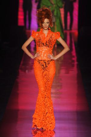 Показ Jean Paul Gaultier коллекции сезона Весна-лето 2012 года Haute couture - www.elle.ru - Подиум - фото 332627