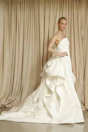 Показ Oscar de la Renta коллекции сезона Осень 2014 года Bridal - www.elle.ru - Подиум - фото 575527