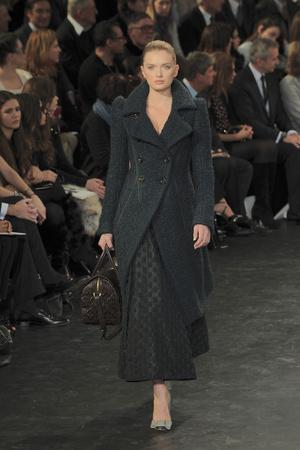 Показ Louis Vuitton коллекции сезона Осень-зима 2010-2011 года prêt-à-porter - www.elle.ru - Подиум - фото 157465