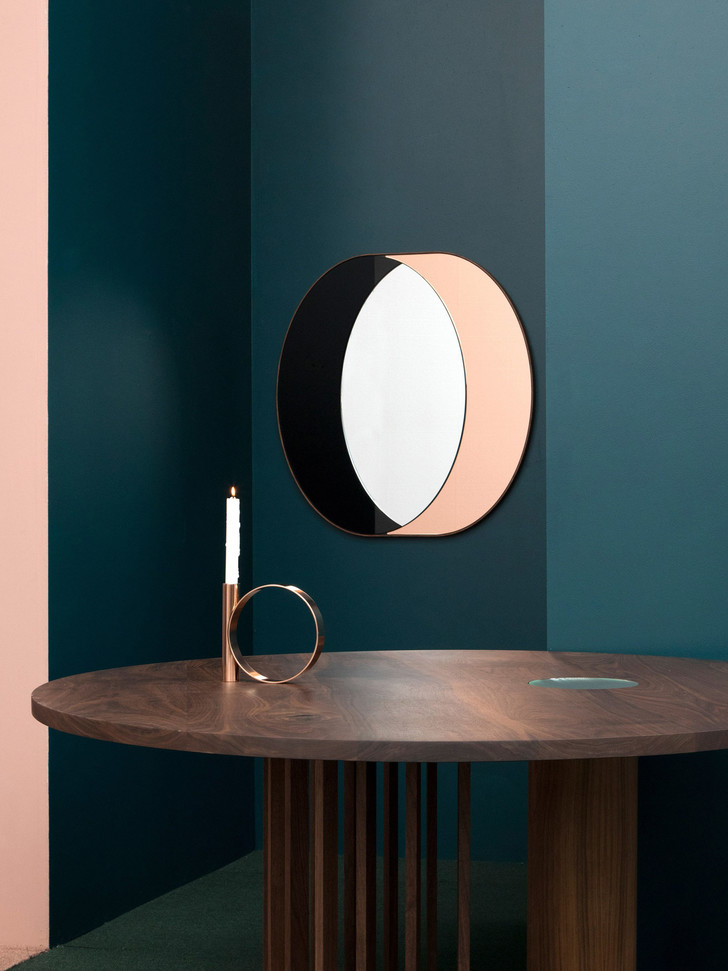 Bower представил новую серию светильников и зеркал