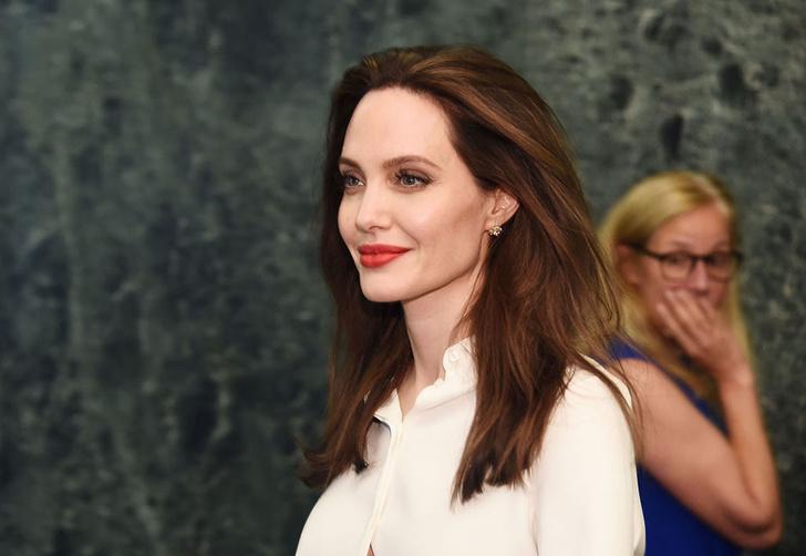 Анджелина Джоли заверила Питта, что воспитывает детей правильно фото [3]