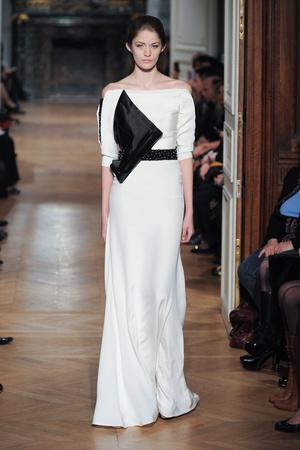 Показ Tony Ward коллекции сезона Весна-лето 2014 года haute couture - www.elle.ru - Подиум - фото 574407