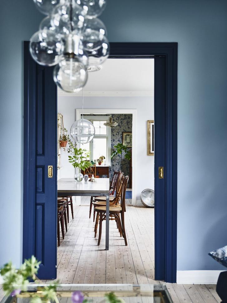 Цветные двери в интерьере: 5 советов (фото 1)