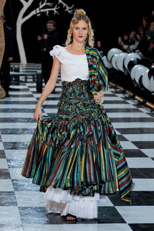 Показ Franc Sorbier коллекции сезона Весна-лето 2014 года Haute couture - www.elle.ru - Подиум - фото 575075
