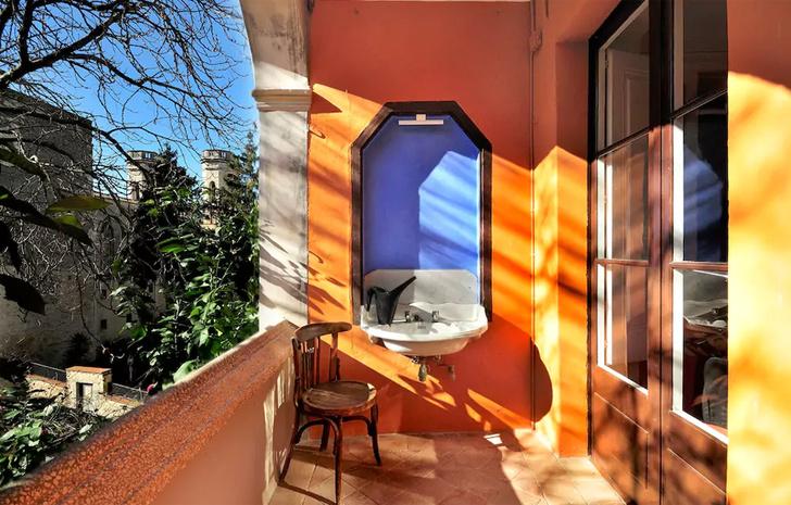 Spectacular house on Girona