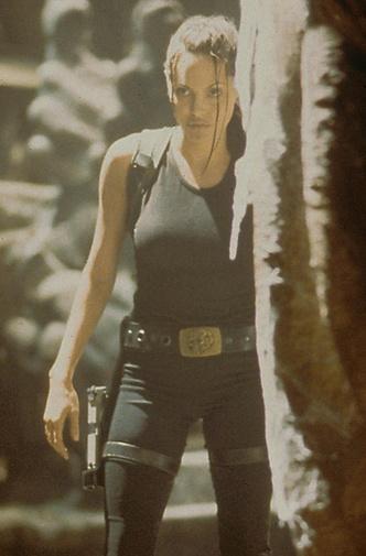 «Лара Крофт: Расхитительница гробниц», 2001 г. фото