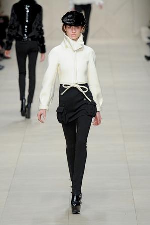 Показы мод Burberry Prorsum Осень-зима 2011-2012 | Подиум на ELLE - Подиум - фото 2273