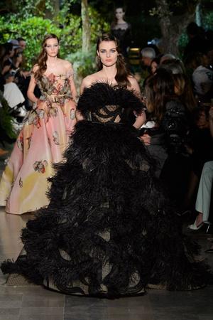 Показ Elie Saab коллекции сезона Весна-лето 2015 года haute couture - www.elle.ru - Подиум - фото 593078