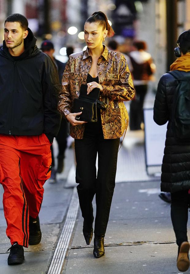 Будущей весной нам всем нужна куртка как у Беллы Хадид (фото 1)