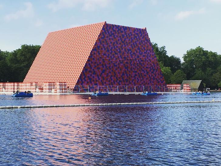 Инсталляция на озере в Лондоне от Serpentine Gallery (фото 2)
