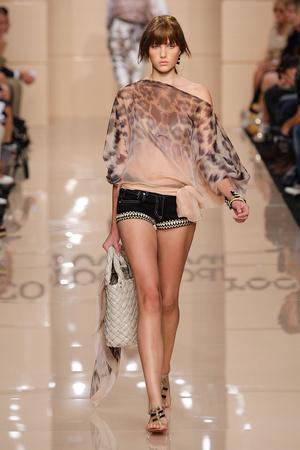 Показы мод Roccobarocco Весна-лето 2011 | Подиум на ELLE - Подиум - фото 2573