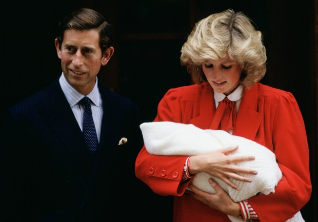 История одного дня: принцесса Диана и новорожденный Гарри (фото 1)