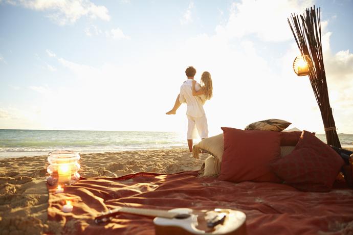 Медовый месяц свадьба пляж