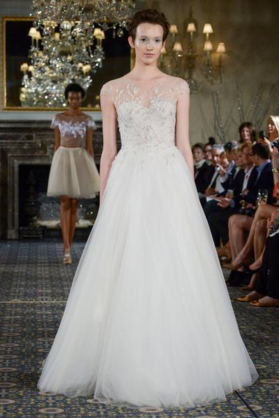 50 самых красивых платьев со Свадебной Недели Моды в Нью-Йорке | галерея [1] фото [4]