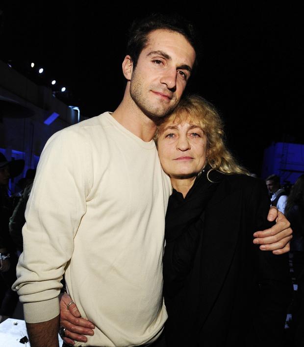 Ставрос Ниархос с мамой фото