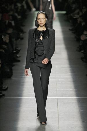 Показ Givenchy коллекции сезона Осень-зима 2009-2010 года prêt-à-porter - www.elle.ru - Подиум - фото 98456