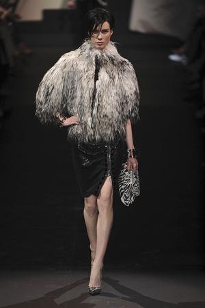 Показ Giorgio Armani Privé коллекции сезона Осень-зима 2009-2010 года haute couture - www.elle.ru - Подиум - фото 87707