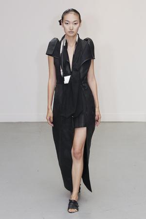 Показ Atelier Gustavo Lins коллекции сезона Осень-зима 2010-2011 года Haute couture - www.elle.ru - Подиум - фото 167278