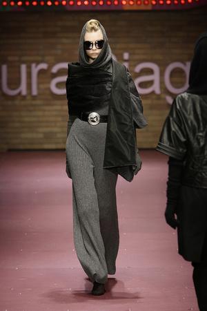 Показ Laura Biagiotti коллекции сезона Осень-зима 2009-2010 года prêt-à-porter - www.elle.ru - Подиум - фото 96238