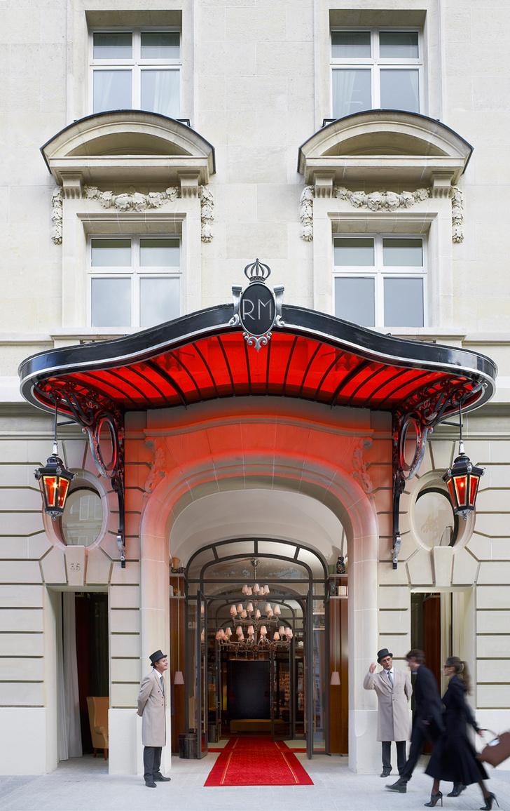 Фасад отеля Le Royal Monceau-Raffles в Париже.