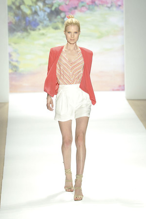 Показы мод Tibi Весна-лето 2010 | Подиум на ELLE - Подиум - фото 3058