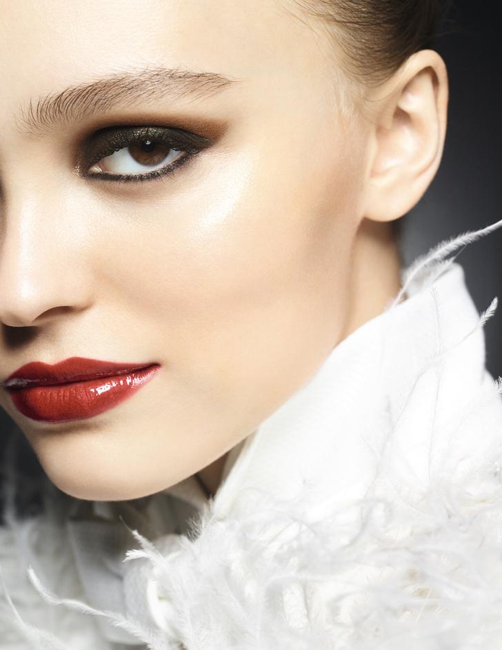 Рождественская коллекция макияжа Maximalisme de Chanel (фото 1)