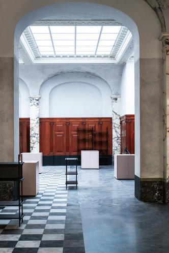 Шоурум Paustian в здании банка XIX века в Копенгагене (фото 3.1)