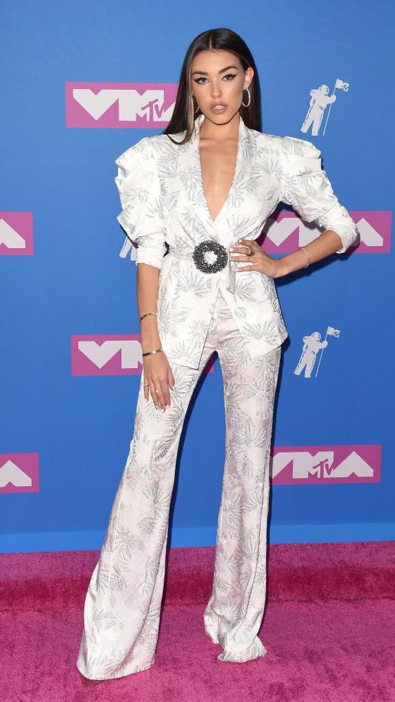 Total-white: знаменитости в белых нарядах на VMA (фото 5)