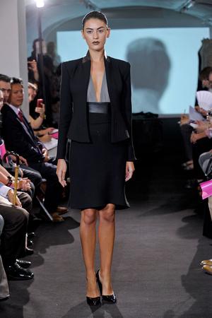 Показ Atelier Gustavo Lins коллекции сезона Осень-зима 2011-2012 года haute couture - www.elle.ru - Подиум - фото 278116