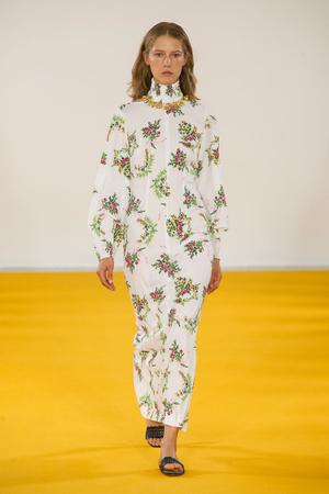 Показ Emilia Wickstead коллекции сезона Весна-лето  2017 года prêt-à-porter - www.elle.ru - Подиум - фото 609730