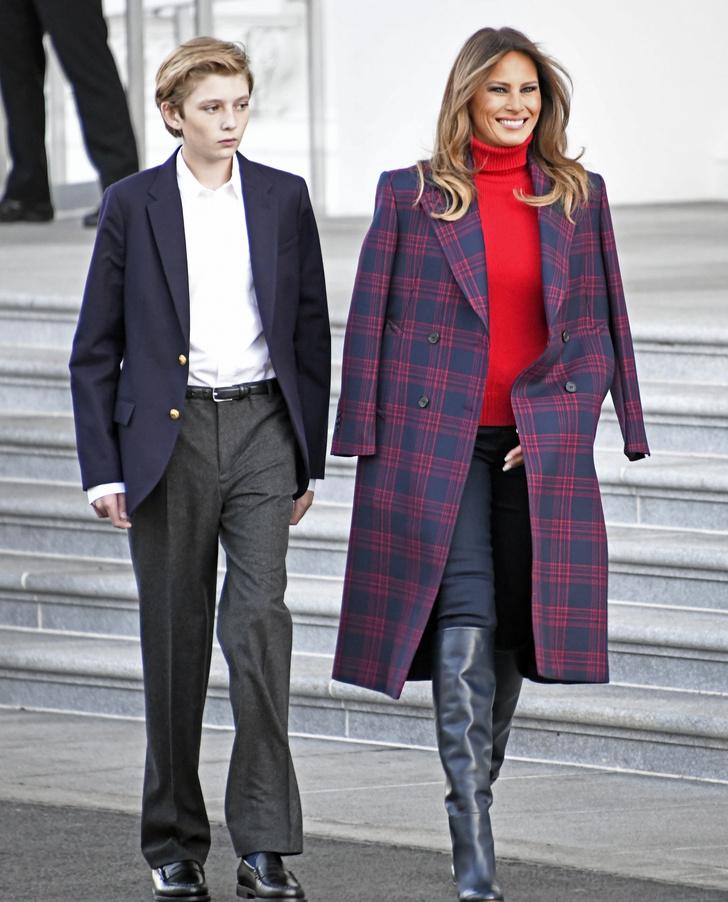 Зимний образ Мелании Трамп: пальто Calvin Klein и свитер Ralph Lauren (фото 5)
