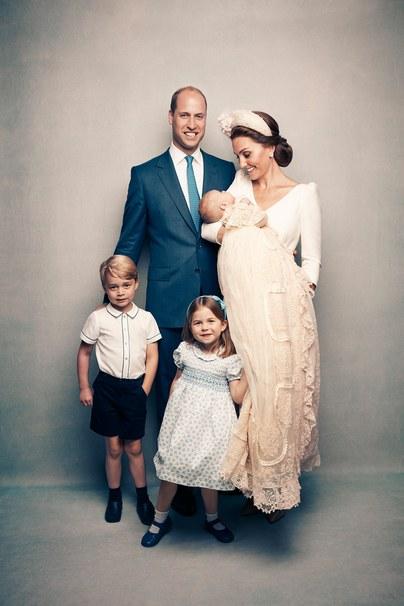 Появились официальные фотографии с крестин принца Луи (фото 3)