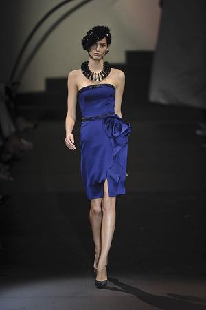 Показ Giorgio Armani Privé коллекции сезона Осень-зима 2009-2010 года haute couture - www.elle.ru - Подиум - фото 87712