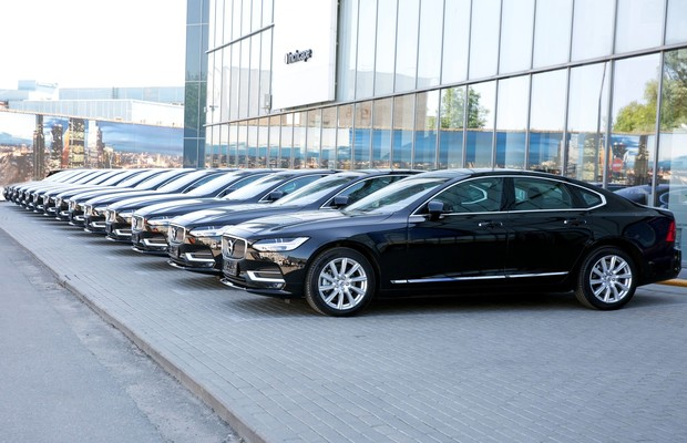 Вприложении Wheely теперь можно заказать автомобиль Volvo S90 (фото 2)