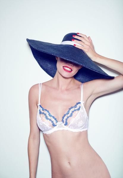 Ближе к телу: новая коллекция белья Simone Perele | галерея [1] фото [3]