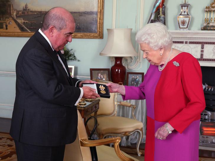 Зла не держу: почему все говорят о «перемирии» между королевой и Меган Маркл (фото 3)