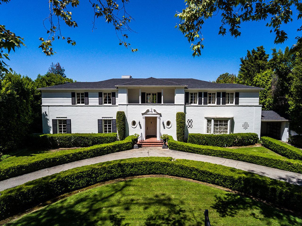 В Калифорнии продан бывший дом Рональда Рейгана (галерея 5, фото 0)